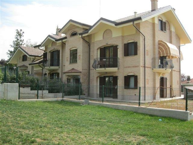 Balconi e modiglioni roi graniti group s r l for Casa di facciata in pietra